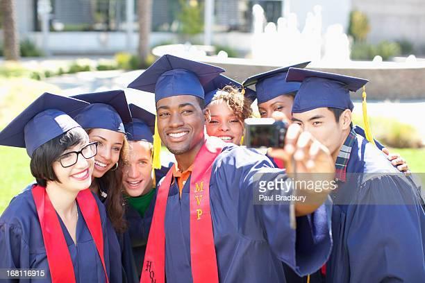 卒業生の写真そのものを承っております。