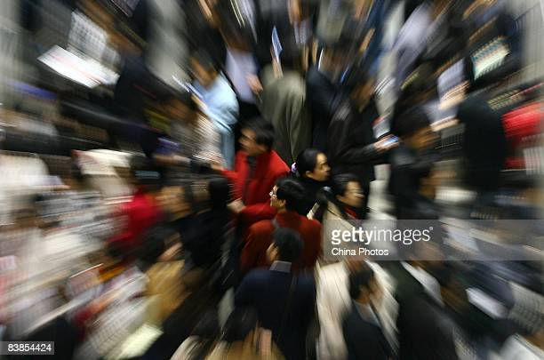 Graduating university students crowd a job fair on November 28 2008 in Chongqing China The number of Chinese college graduates will hit 559 million...