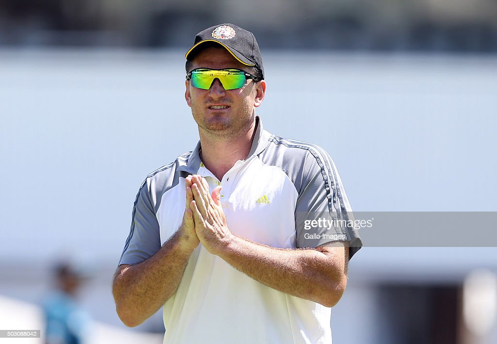 Graeme Smith attends the South African national cricket team training session at PPC Cement Newlands on January 01, 2016 in Cape Town, South Africa.
