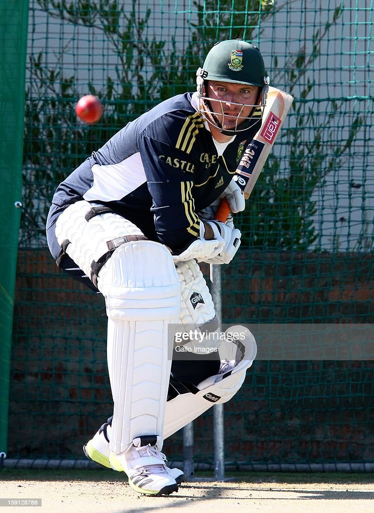 Graeme Smith during the South African national cricket team training session at Axxess St Georges on January 08, 2013 in Port Elizabeth, South Africa.