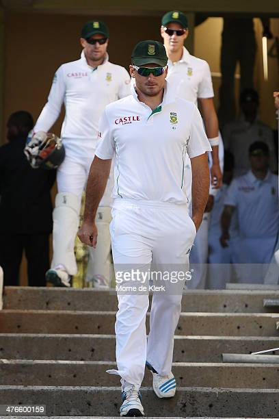 Graeme Smith of South Africa leads his team onto the ground before the start of play during day 4 of the third test match between South Africa and...