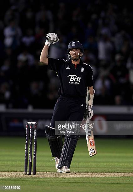 Graeme Swann of England celebrates after scoring the winning runs during the the 2nd NatWest One Day International between England and Australia...