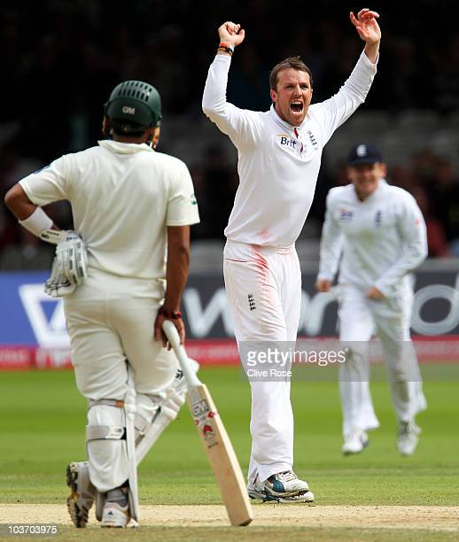 Graeme Swann of England celebrates his fifth wicket that of Mohammad Asif of Pakistan during day four of the 4th npower Test Match between England...