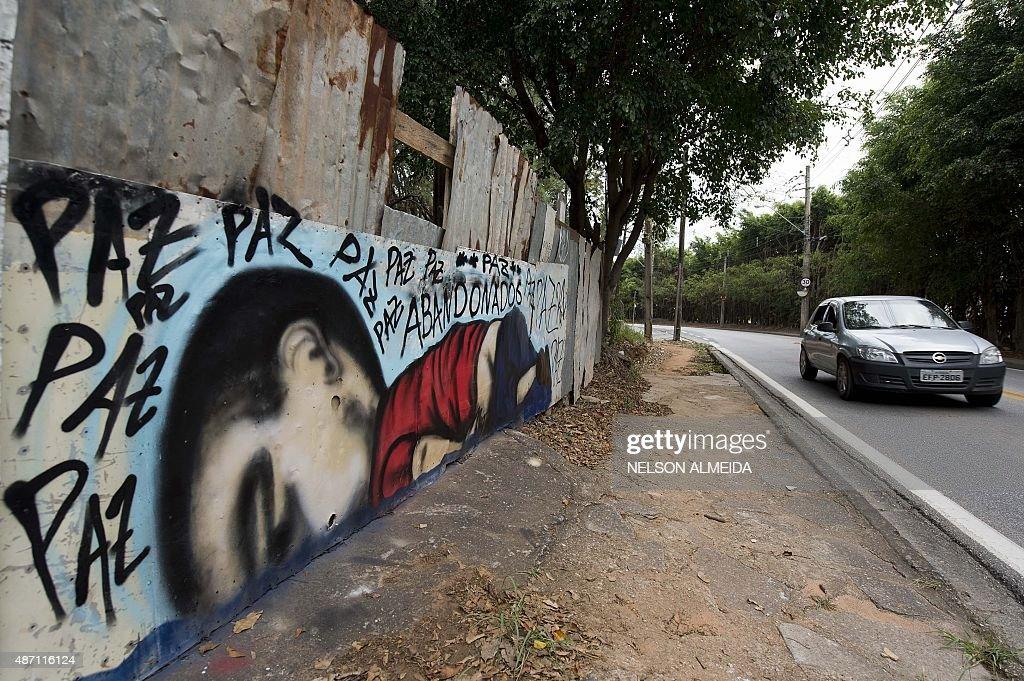 BRAZIL-SYRIA-MIGRANTS-GRAFFITI : News Photo