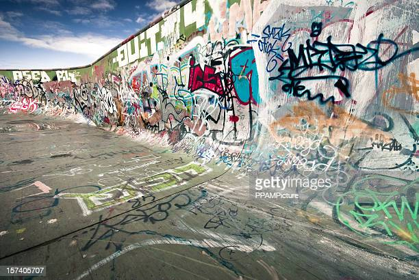 graffiti skateboard ramp - castle wall stock pictures, royalty-free photos & images