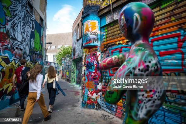 ゲントの街の落書き - ベルギー ゲント ストックフォトと画像