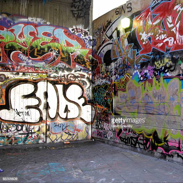 graffiti tags - crausby stock pictures, royalty-free photos & images