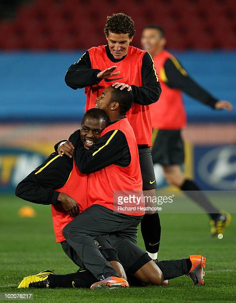 Grafite is congratulated by Robinho and Elano during the Brazil training session at Ellis Park on June 14 2010 in Johannesburg South Africa Brazil...
