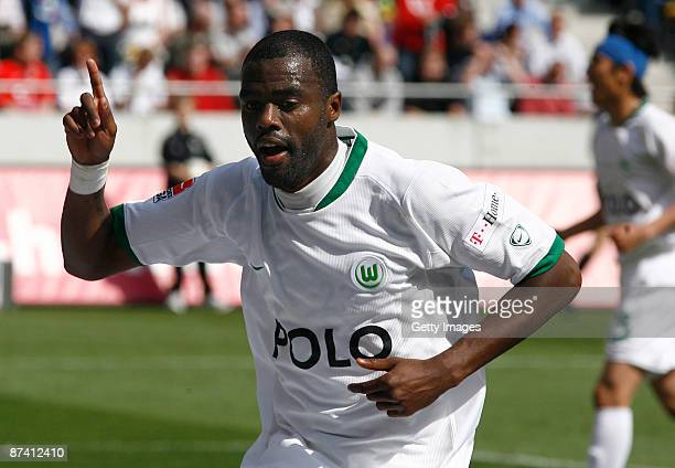 Grafite of Wolfsburg celebrates his first goal for lead 02 during the Bundesliga match between Hannover 96 and VfL Wolfsburg at the AWD Arena on May...
