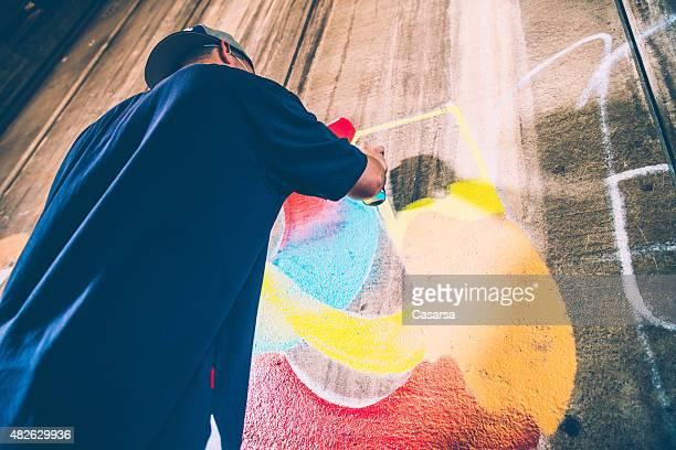 Grafitti artista en el trabajo