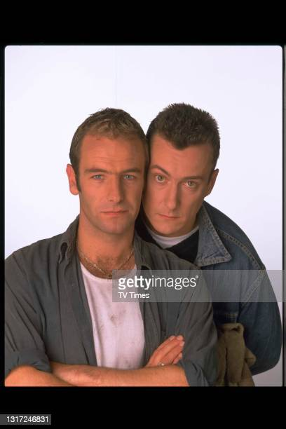 Grafters actors Robson Green and Stephen Tompkinson in character as brothers Joe and Trevor Purvis, circa 1998.