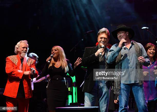 T Graham Brown Lisa Matassa TG Sheppard and Tracy Lawrence perform during Playin' Possum The Final No Show Tribute To George Jones Show at...