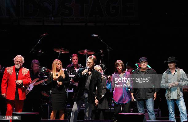 T Graham Brown Lisa Matassa TG Sheppard Suzy Bogguss Collin Raye and Tracy Lawrence perform during Playin' Possum The Final No Show Tribute To George...