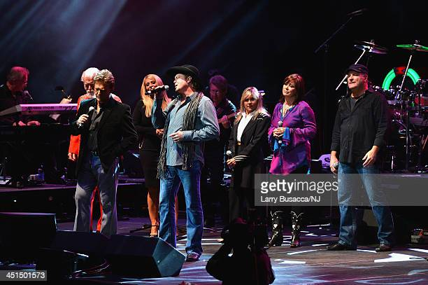 T Graham Brown TG Sheppard Lisa Matassa Tracy Lawrence Jett Williams Suzy Bogguss and Colline Raye perform during Playin' Possum The Final No Show...