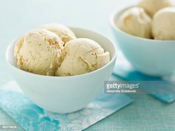 graham cracker ice cream - ice cream stock pictures, royalty-free photos & images