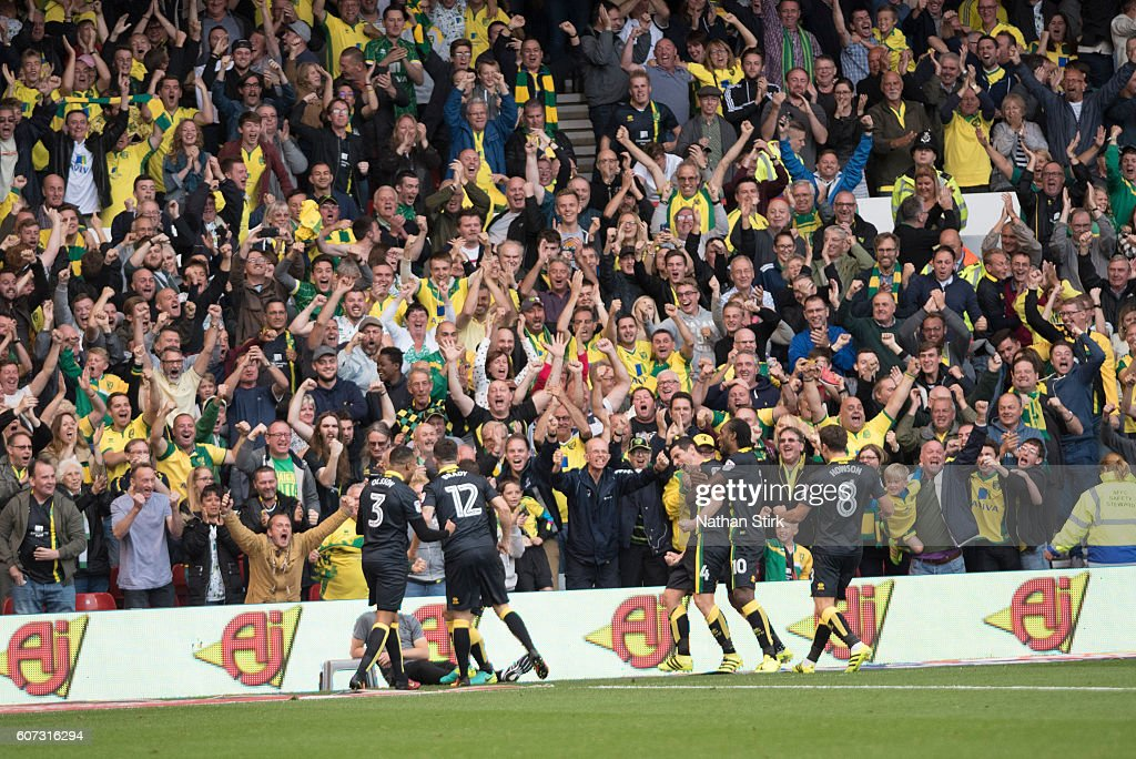 Graham Dorrans of Norwich celebrates during the Sky Bet Championship match between Nottingham Forest and Norwich City at the City Ground on September 17, 2016 in Nottingham, England.