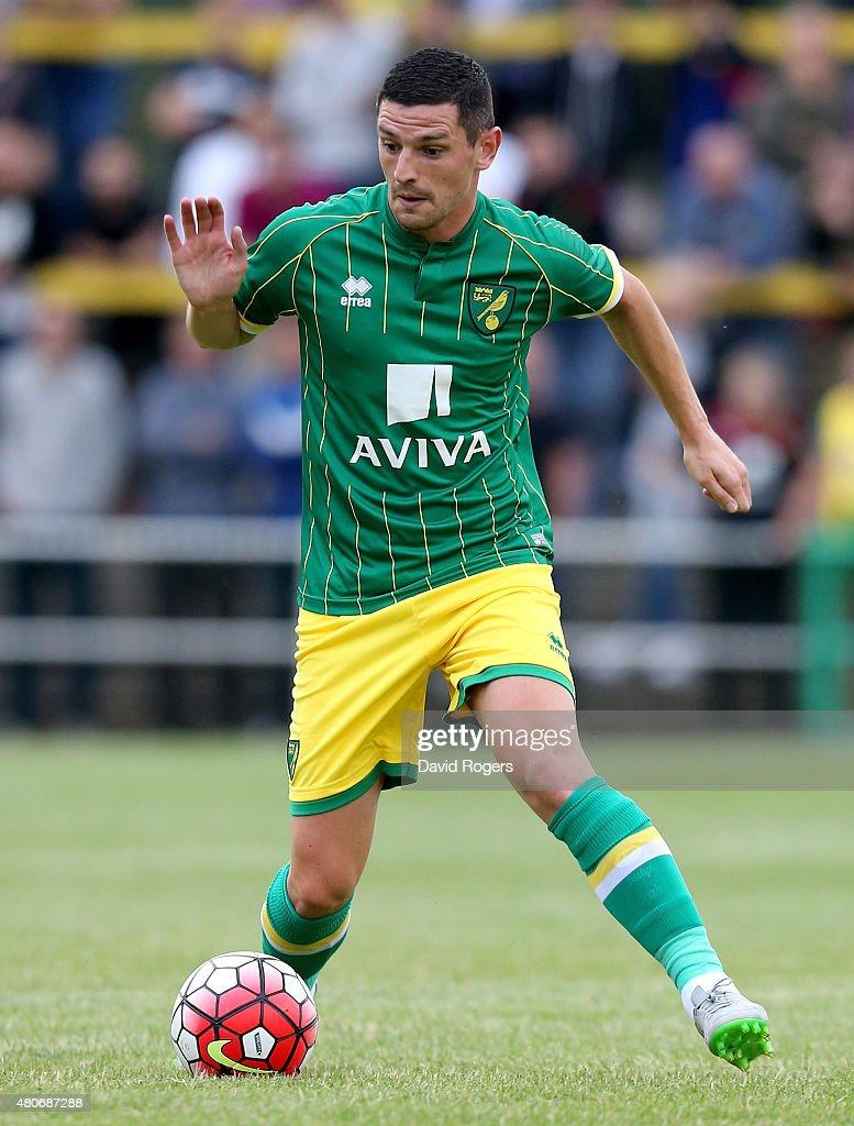 Hitchin Town v Norwich City - Pre Season Friendly