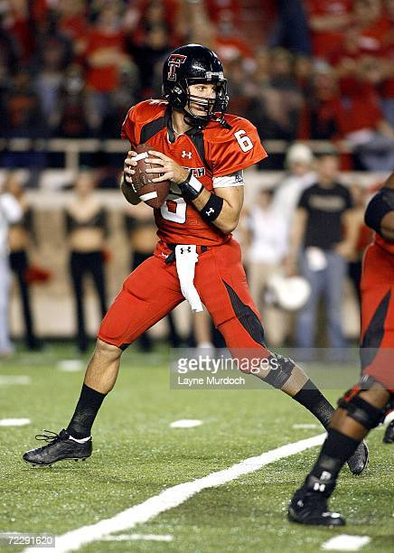 Graham Harrell of the Texas Tech Red Raiders sets up to pass against the Texas Longhorns runs at Jones AT&T Stadium on October 28, 2006 in Lubbock,...