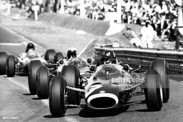 Graham Hill, Jackie Stewart, Dan Gurney, BRM P261, Grand Prix of Mexico, Autodromo Hermanos Rodriguez, Magdalena Mixhuca, 24 October 1965.