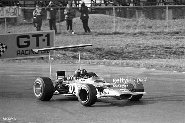 Graham Hill qualifies his Lotus-Ford Type 49B at the United States Grand Prix held at Watkins Glen, New York on October 6, 1968.