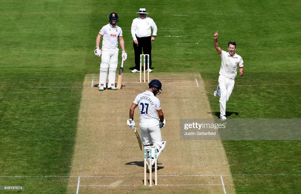 Essex v Lancashire - Specsavers County Championship: Division One