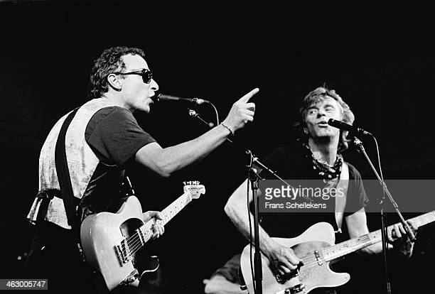Graham Parker & Dave Edmunds, vocal, perform at the Paradiso in Amsterdam, the Netherlands on 1st March 1990.