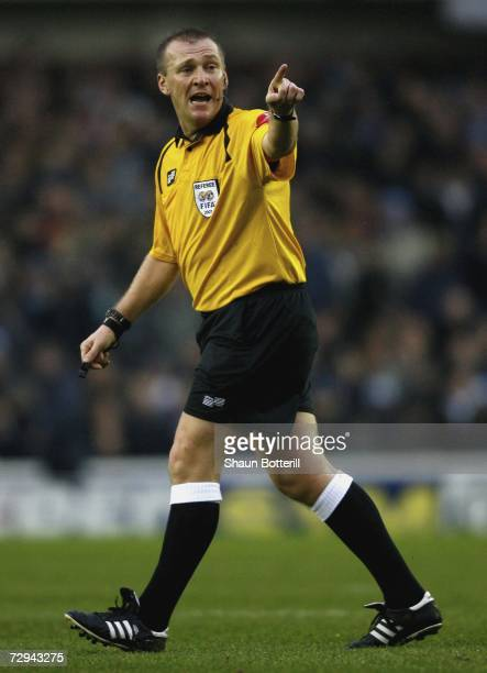 Graham Poll the match referee gestures during the FA Cup Sponsored by EON 3rd Round match between Sheffield Wednesday and Manchester City at...