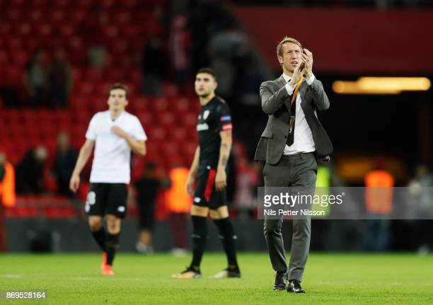 Graham Potter head coach of Ostersunds FK cheers to the fans after the UEFA Europa League group J match between Athletic Bilbao and Ostersunds FK at...