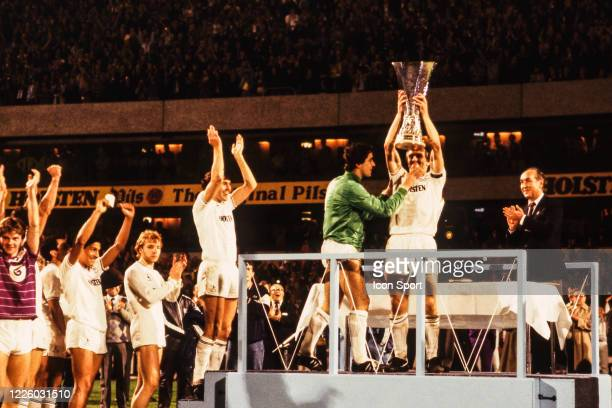Graham ROBERTS of Tottenham celebrate the victory with the trophy during the UEFA Final Cup second leg match between Tottenham and Anderlecht at...