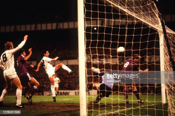 Graham ROBERTS of Tottenham score his goal during the UEFA Final Cup second leg match between Tottenham and Anderlecht at White Hart Lane London...