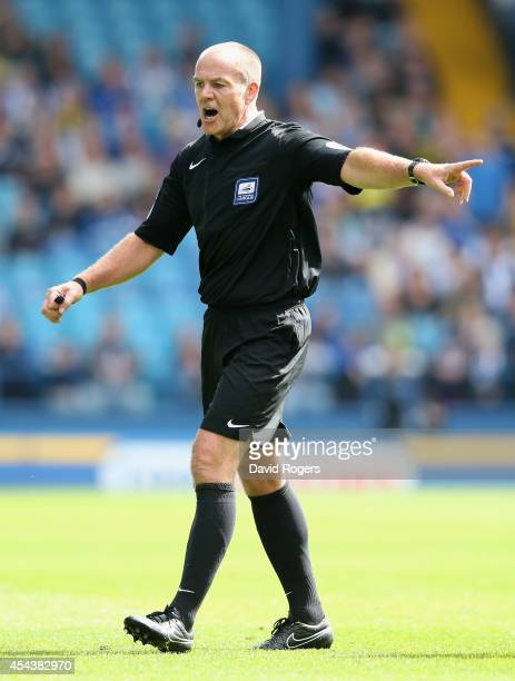 Graham Salisbury the referee issues instructions during the Sky Bet Championship match between Sheffield Wednesday and Nottingham Forest at...