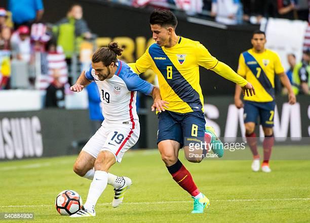 Graham Zusi of United States battles Fernando Gaibor of Ecuador during the Copa America Centenario Quarterfinal match between United States and...