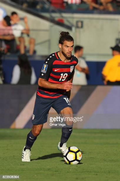 Graham Zusi of United States drives the ball during the CONCACAF Gold Cup 2017 final match between United States and Jamaica at Levi's Stadium on...