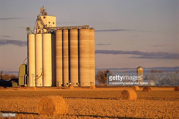 grain elevator - silo stock photos and pictures