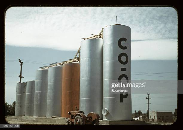 Grain elevators, Caldwell, Idaho, 1941.