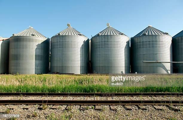 Grain silos und verfolgen