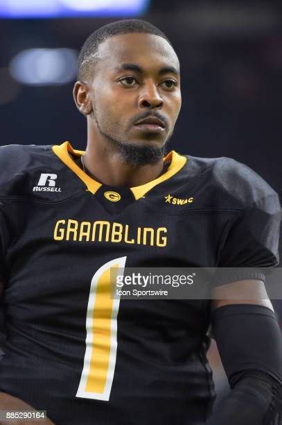Grambling State Tigers quarterback Devante Kincade warms up before the second half during the SWAC Championship football game between the Alcorn...
