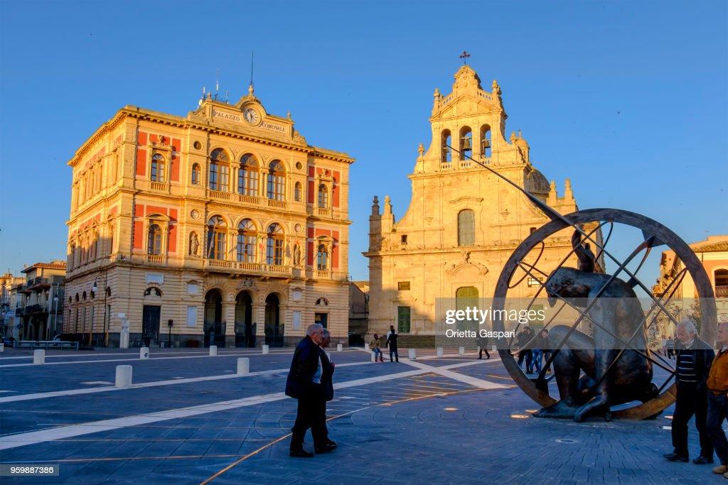 Grammichele, Piazza Carlo Maria Carafa (Sizilien, Italien) : Stock-Foto
