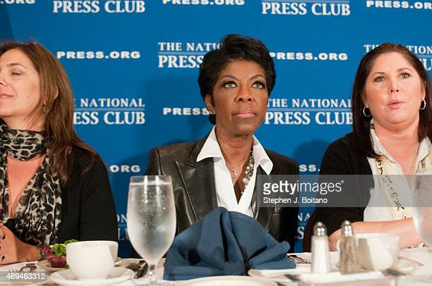Grammy Award winner Natalie Cole speaks at the National Press Club in WashingtonDC Cole was diagnosed with hepatitis C in 2008 and discusses the Tune...