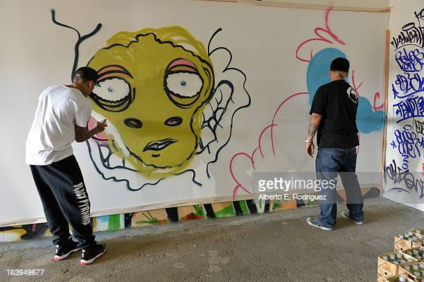 30 Top Chris Brown Joins Forces With Graffiti Artist Slick
