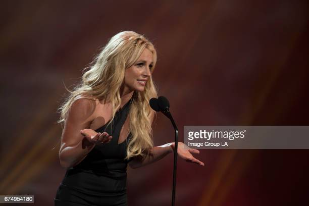 Grammy Award-winning pop superstar Britney Spears was honored with the 2017 RDMA 'Icon' Award in recognition a career and music that has been loved...