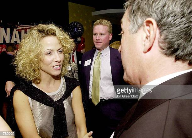 Grammy Awardwinning recording artist Sheryl Crow attends a fund raiser for Missouri Governor Mel Carnahan September 15 2000 in St Louis Carnahan is...