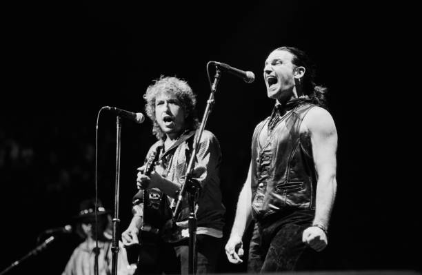 Bob Dylan Performs With U2 in Concert