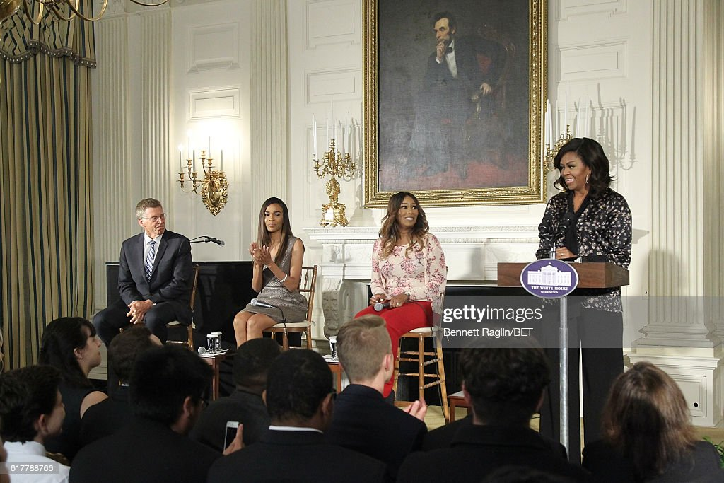 Grammy Museum Executive Director Bob Santelli, music mentors Michelle Williams, Yolanda Adams, First Lady Michelle Obama attend 'An Obama Celebration' - Workshop at The White House on October 21, 2016 in Washington, DC.