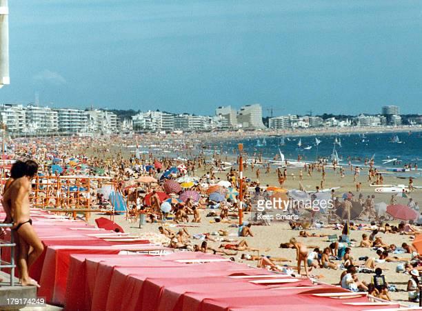 Gran Canaria, full beach during summer day