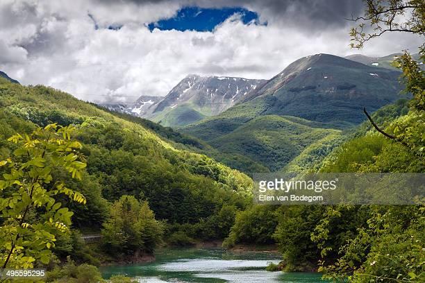 gran sasso national park - parco nazionale del gran sasso e monti della laga foto e immagini stock