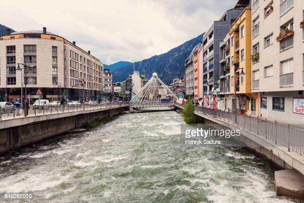 gran valira river and pont de paris in andorra la vella - andorra la vella fotografías e imágenes de stock