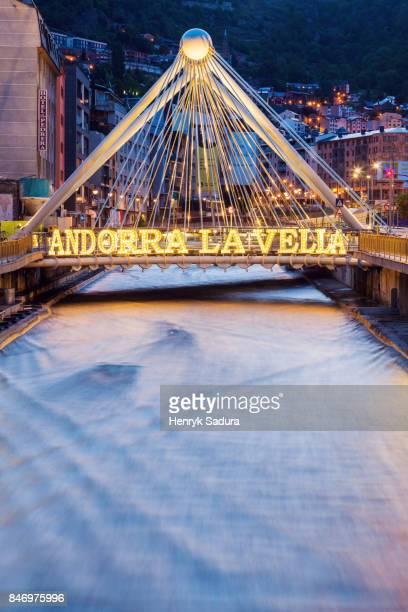 gran valira river and pont de paris in andorra la vella - アンドララベリャ ストックフォトと画像