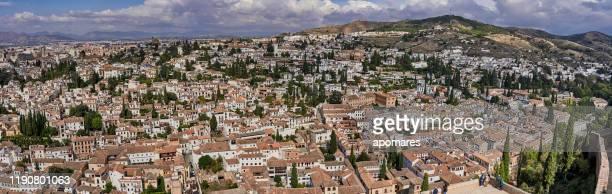 granada, españa. vista panorámica desde la alhambra - moruno fotografías e imágenes de stock