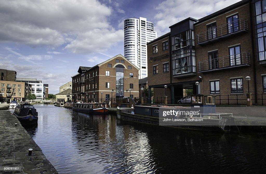 Granary Wharf and Bridgewater Place, Leeds : Stock Photo